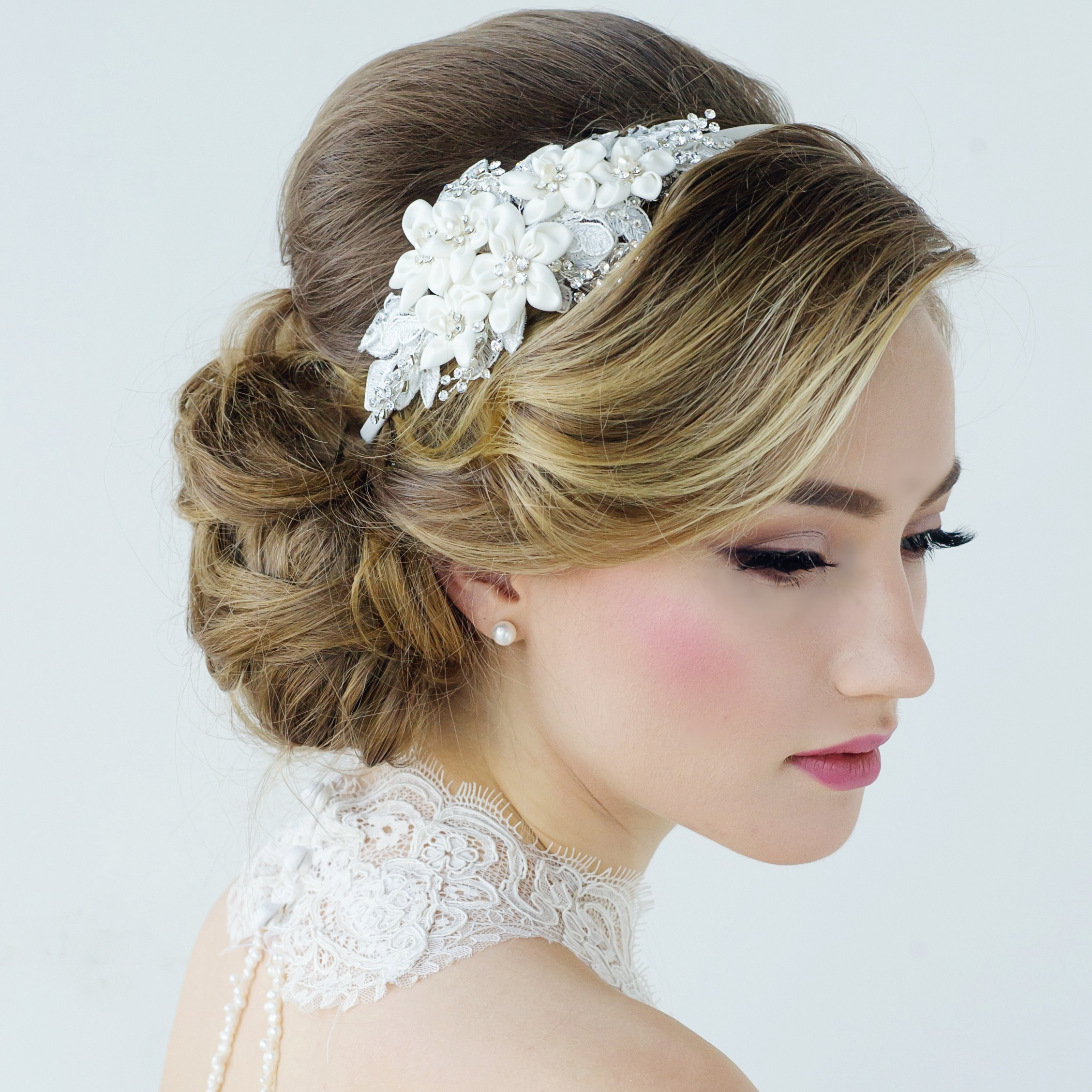 Wedding Flower Headpieces: Makeup Artist